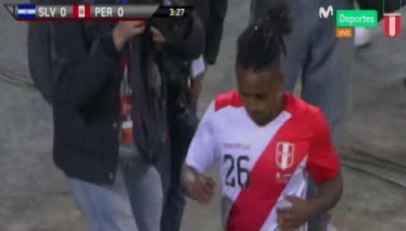 Yordy Reyna tuvo la primera ocasión de gol de Perú ante El Salvador. (Captura: Movistar Deportes)