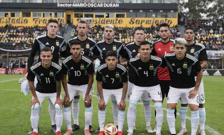 Argentina vs. Ecuador se miden por la fecha 1 del fútbol masculino en Lima 2019. (Foto: @Argentina)