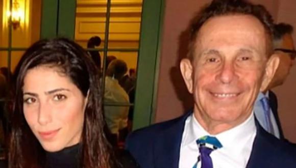 Matrimonio entre un hombre de 77 años y una mujer de 26 quedó al descubierto luego de millonaria estafa. (Foto: Twitter/ScallywagNYC)