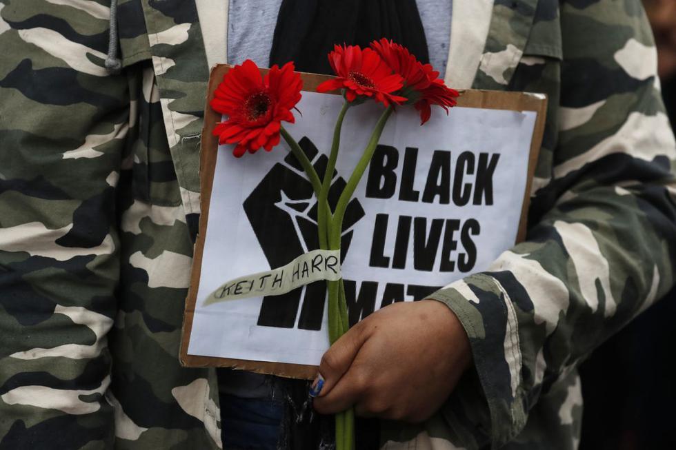 """Las protestas bajo la consigna """"Black Lives Matter""""  que estallaron en Estados Unidos con la muerte de George Floyd a manos de policías blancos. (AP/Frank Augstein)."""