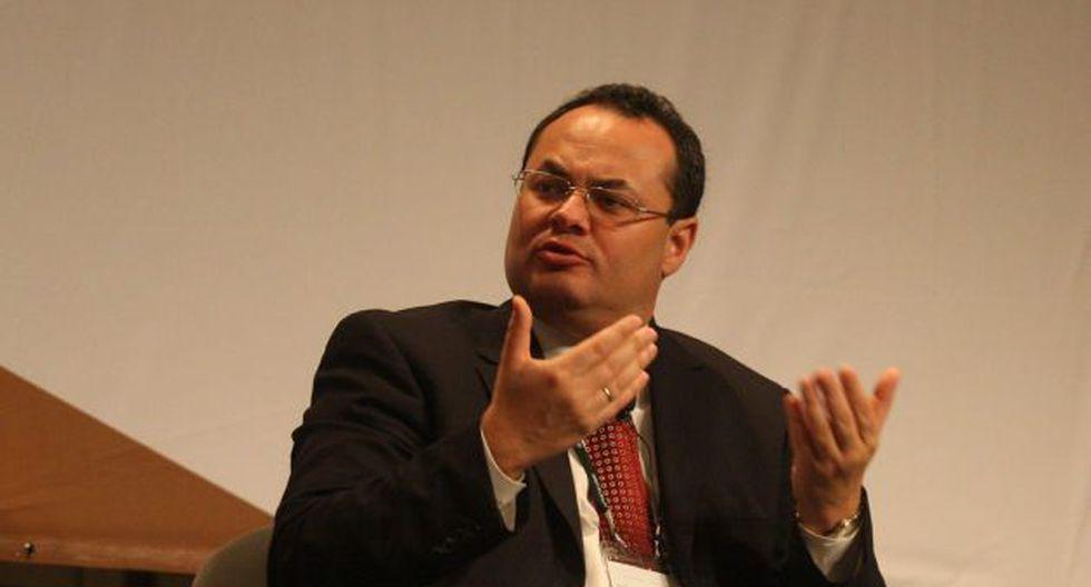 Luis Carranza criticó que se invierta tanto en la modernización de la refinería de Talara. (Peru21)