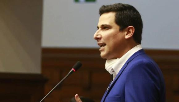 Cesar Combina anticipó que planteará también el retiro de APP de la Comisión de Educación del Congreso. (Foto: GEC)
