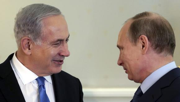 Benjamín Netanyahu felicitó el año nuevo al pueblo de Vladimir Putin y expresó sus condolencias por la tragedia de Magnitogorsk, en los Urales. (Foto: EFE)