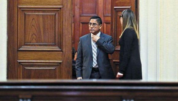 César Hinostroza fugó a España pese a que tenía orden de impedimento de salida del país. Allí afronta un proceso de extradición. (Foto: GEC)