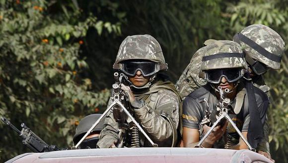 ¿QUÉ BUSCABAN? Militares habrían confundido vehículo. (Perú21)