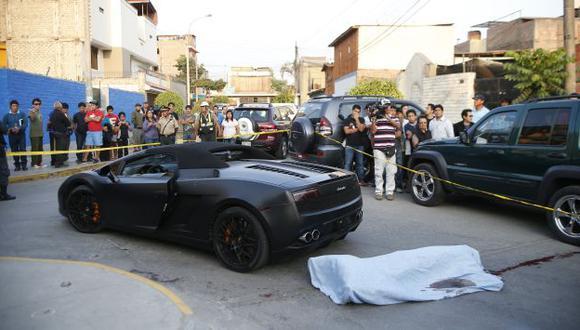 Aún no se sabe quiénes atacaron de 40 tiros a un sujeto que iba en su Lamborghini. (Luis Gonzales)
