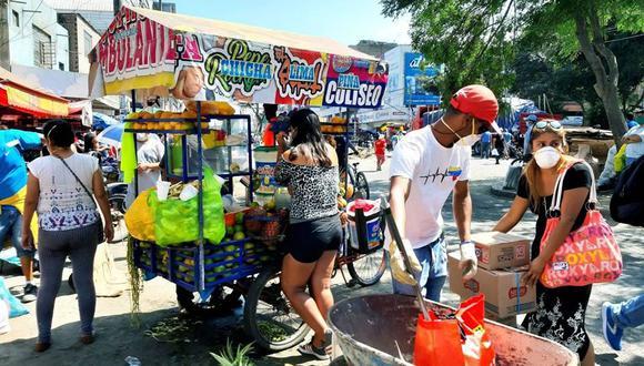 Ambulantes en Trujillo. (Facebook Lizette Ramírez)