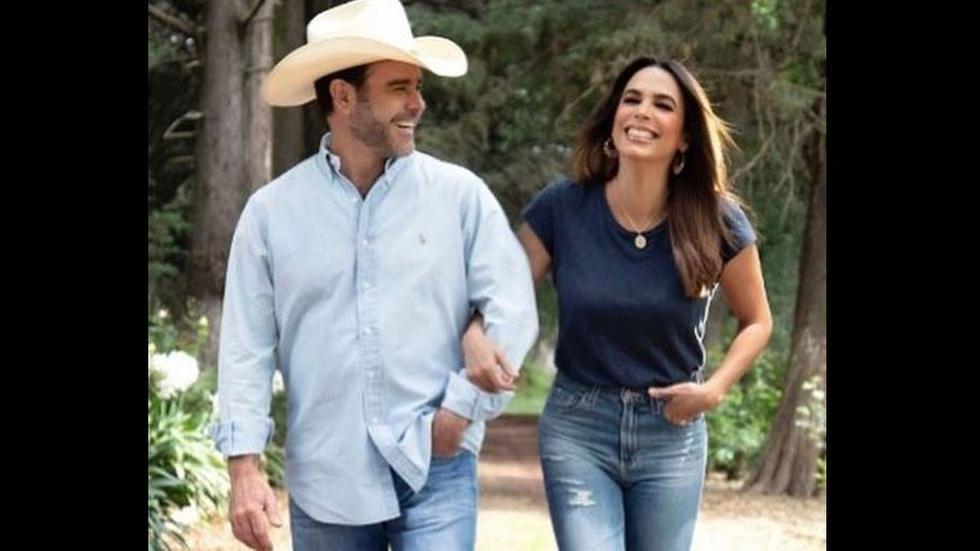 Biby Gaytán y Eduardo Capetillo celebraron 25 años de matrimonio.(Instagram)