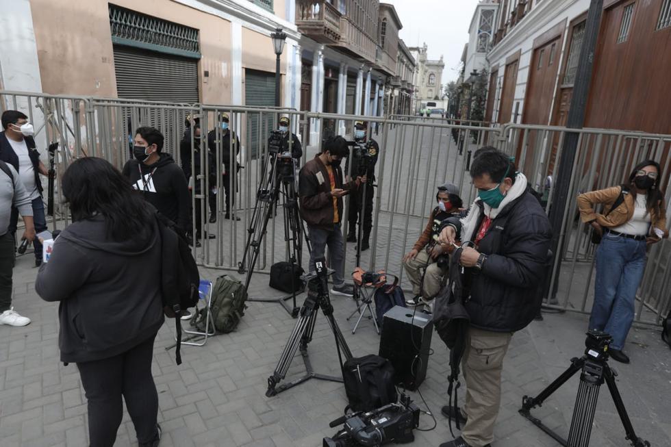 La actividad encabezada por Pedro Castillo fue cubierta por el equipo de prensa del canal oficial TV Perú y no se ha permitido el ingreso de los periodistas de otros canales de televisión. (Anthony Niño de Guzmán/ @photo.gec)