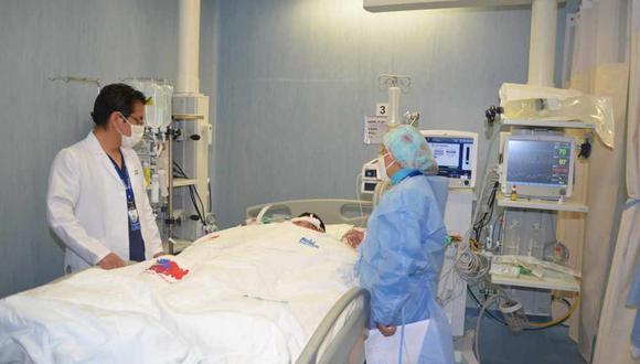 Hombre que cayó desde 8 metros de altura vuelve a caminar tras operación a la columna vertebral (Foto: Diresa Junín).