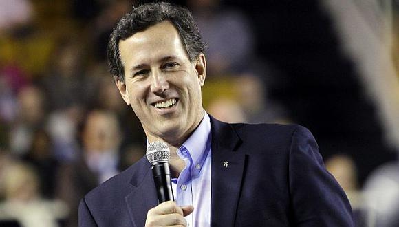 Es la primera vez que Santorum lidera la intención de voto. (AP)