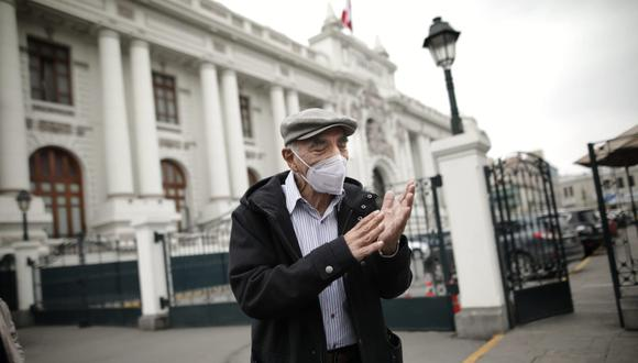 Enrique Fernández Chacón acudió al Congreso para agradecer la preocupación que expresó Manuel Merino de Lama (Anthony Niño de Guzmán/GEC).