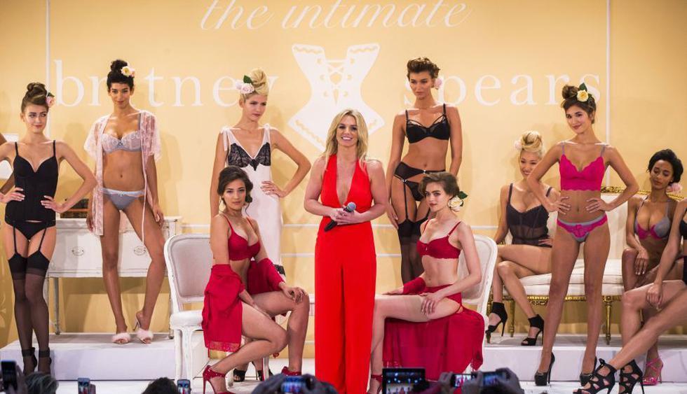 Britne Spears presentó su colección de ropa interior en el New York Fashion Week. (Reuters)