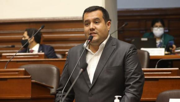 """Salinas consideró que la postura de la fiscal de la Nación, Zoraida Ávalos, al no acudir al Parlamento es """"desvergonzada"""". (Foto: Congreso de la República)"""