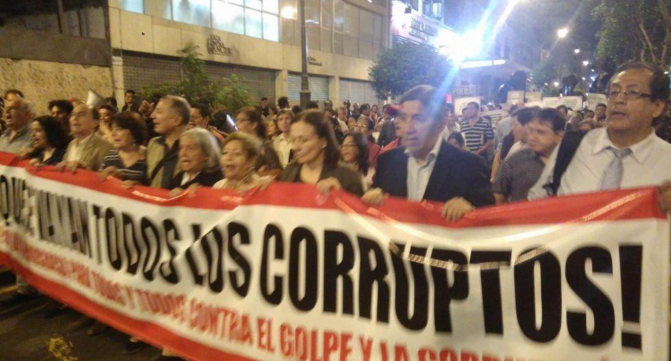"""Manifestantes en el Centro de Lima proclamaban: """"¡Fujimori nunca más!"""". (Foto: Álvaro Treneman)"""