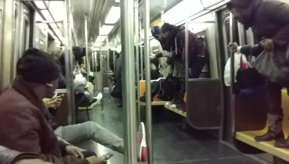 YouTube: Rata desata el pánico en metro de Nueva York. (YouTube)