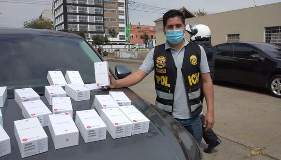 Las autoridades lograron recuperar 90 equipos telefónicos de alta gama marca Huawei. (Foto: Policía Nacional)