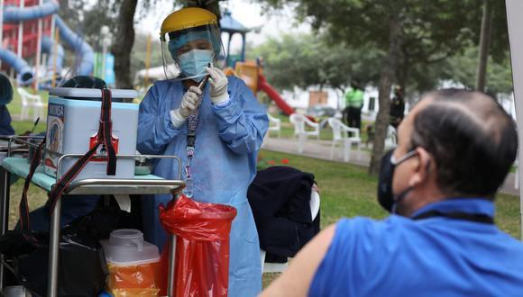 Vacunación a nivel nacional continúa avanzando. Foto: Britanie Arroyo / @photo.gec