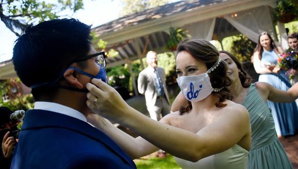 Las bodas en Estados Unidos terminan siendo eventos que ponen en peligro la salud de los invitados durante la pandemia del coronavirus. (Foto: Olivier Douliery / AFP)