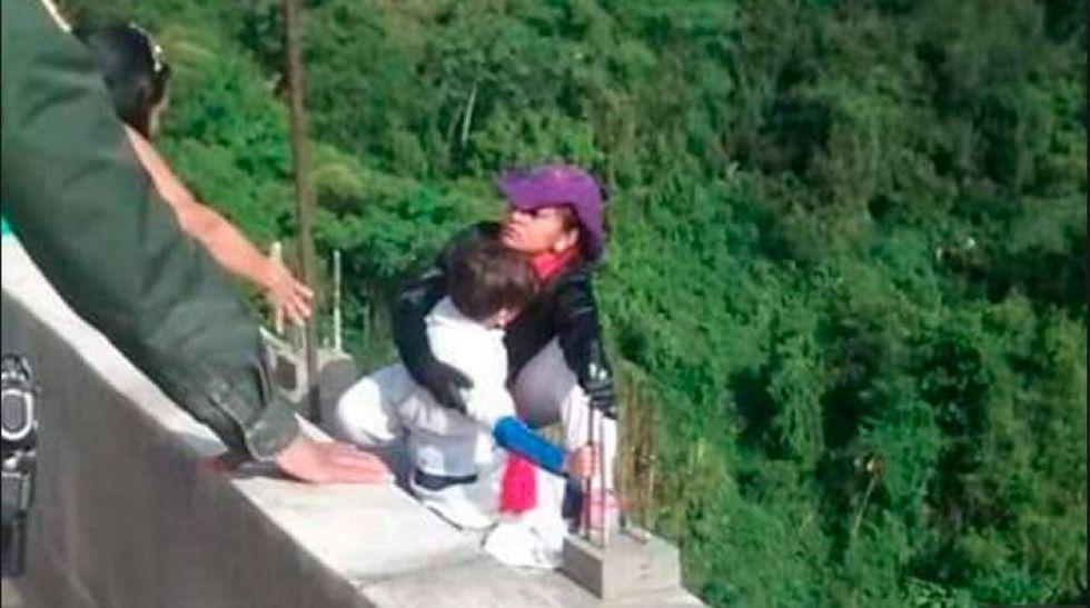 Estas son las presuntas razones del suicidio de una mujer con su hijo en Colombia. (Facebook)
