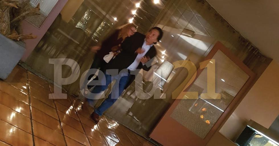 Alejandro Toledo en el área de recepción del hotel Washington Plaza el viernes por la noche. (Perú21)