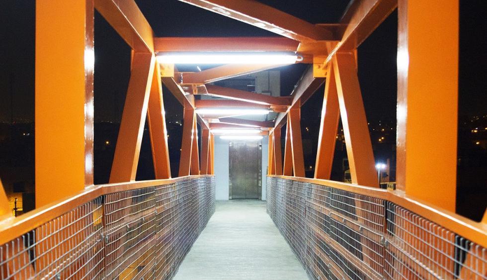 Concesionaria Vía Parque Rímac entregó puente peatonal con ascensor. (Vía Parque Rímac)