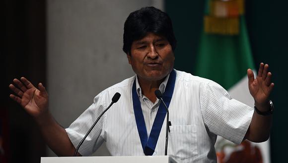 Ola y contra ola en Bolivia. (Foto: AFP)