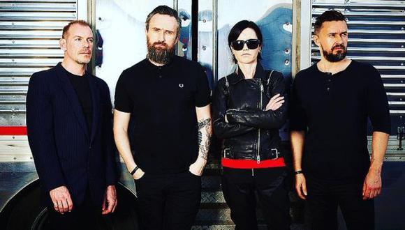 Dolores O'Riordan (vocalista), Fergal Lawler (batería), Mike Hogan (bajo) y Noel Hogan (guitarra) conformaron The Cranberries.