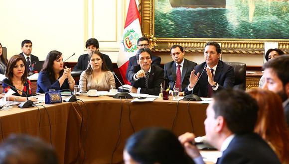 El presidente del Congreso, Daniel Salaverry, protagonizó varios incidentes en el debate del Consejo Directivo. (Foto y video: Congreso de la República)
