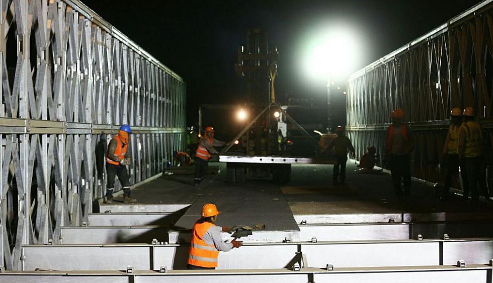 Ramiro Prialé: Puente Bailey se habilitará este jueves a las 5 de la mañana. (@LuchoCastanedaL)