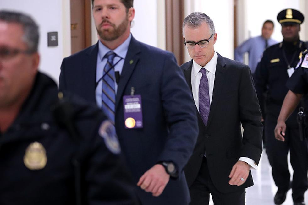El secretario de Justicia Jeff Sessions dijo el viernes que despidió al ex subdirector del FBI Andrew McCabe, apenas dos días antes de la fecha en que se jubilaría. (Getty)