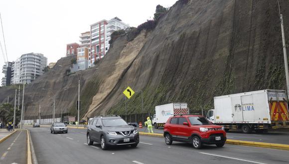 Carril de la Costa Verde volvió a abrirse tras derrumbe a la altura de Barranco. (Foto: Diana Marcelo/ @photo.gec)