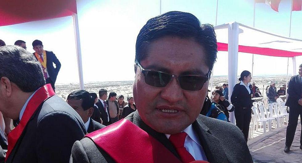 Gobernador de Tacna en aprietos por doble remuneración del Estado