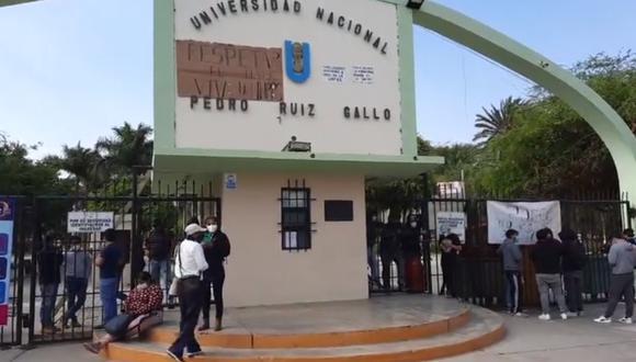Lambayeque: Estudiantes toman universidad Pedro Ruiz Gallo tras juramentación de nuevo rector interino (Foto: captura de pantalla   RPP)