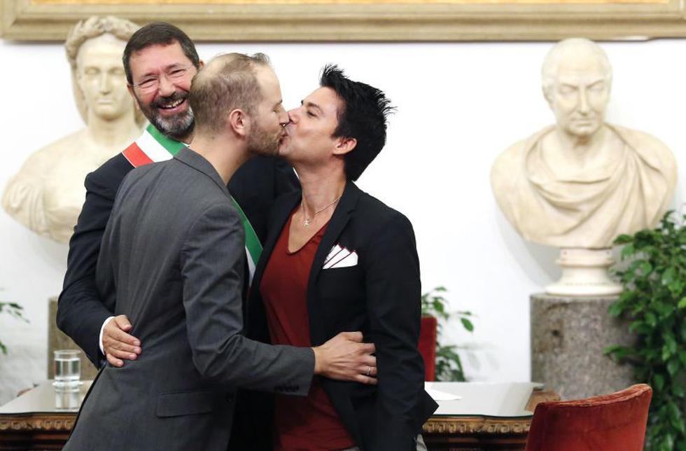Alcalde de Roma registró 16 matrimonios homosexuales esta mañana. (Reuters)