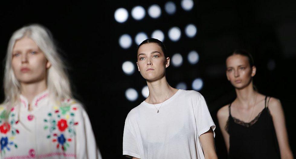 Stephanie Joy Field (19) empezó a desfilar en enero pasado en su natal Australia. lo que ve difícil del modelaje es el \'\'constante escrutinio\'\'.  (AP)