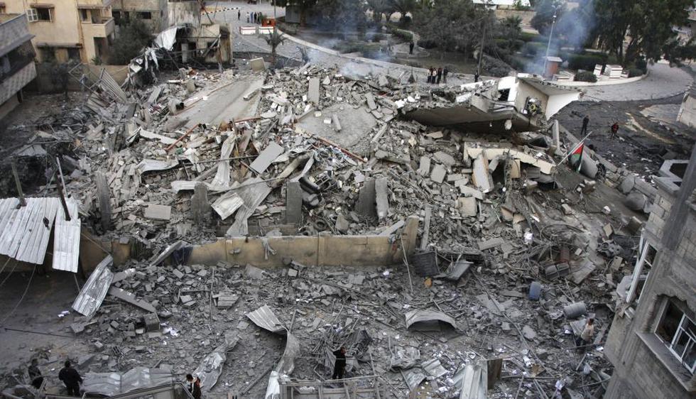 Ataque aéreo israelí destruye la oficina del primer ministro de Hamas, Ismail Haniyeh. (AP)
