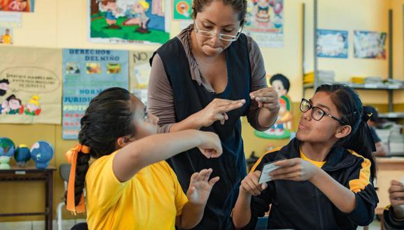 La formación de lengua de señas peruana continuará en noviembre con el curso básico avanzado dirigido a docentes, y un curso básico para familias. (Foto:Minedu)