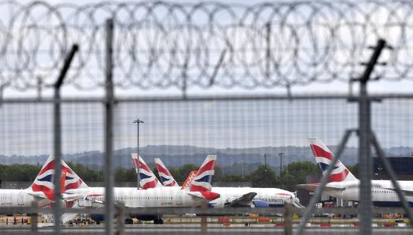 Países Bajos, Bélgica e Italia decidieron el domingo prohibir los vuelos con el Reino Unido. (Foto: Ben STANSALL / AFP)