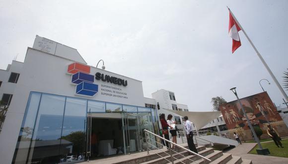 La Sunedu advirtió que la iniciativa favorece a las universidades con licencia denegada (GEC).
