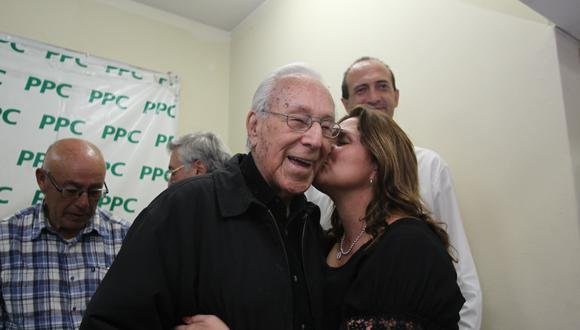 Luis Bedoya Reyes fue el referente para varias generaciones de políticos peruanos. (photo.gec)
