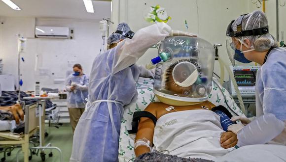 Desde el primer contagio, el 26 de febrero, y de la primera muerte, el 12 de marzo, ambos en Sao Paulo, el país suma ahora 15'003.563 casos confirmados y 416.949 decesos por el COVID-19. (Foto: SILVIO AVILA / AFP)