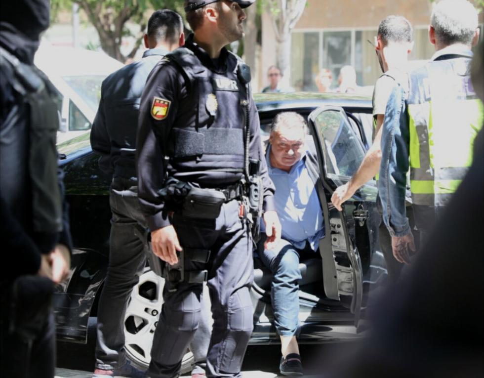 Escándalo en el fútbol español. Policía detiene a jugadores acusados de arreglar partidos para favorecer apuestas. (Foto: Marca)