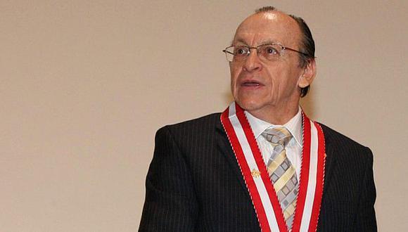 Santos se atribuyó funciones que no le corresponden por Constitución, según Peláez. (USI)