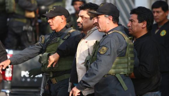 VUELVE A LA CÁRCEL. 'Timaná' se rindió en medio del operativo policial en el que participaron más de 100 agentes. (R. Cornejo)